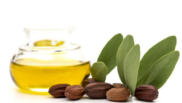 herbal hair oil, olive oil, hair oil for hair growth, jojoba oil, coconut oil, argan oil, castor oil, deemark herbal hair oil